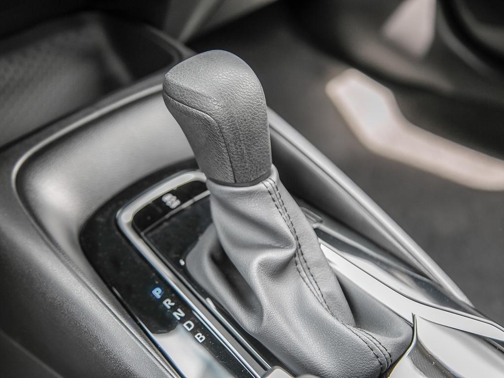 Toyota Corolla 4-door Sedan L CVT 2020 à Verdun, Québec - 17 - w1024h768px