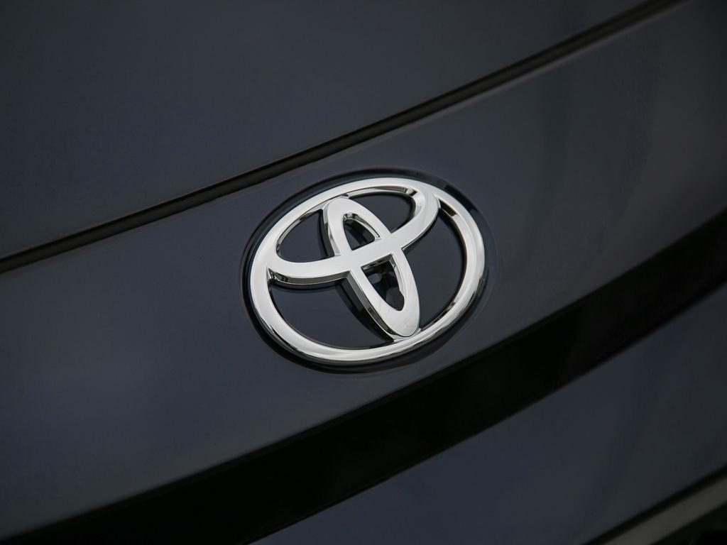 Toyota Corolla 4-door Sedan SE CVT 2020 à Verdun, Québec - 8 - w1024h768px