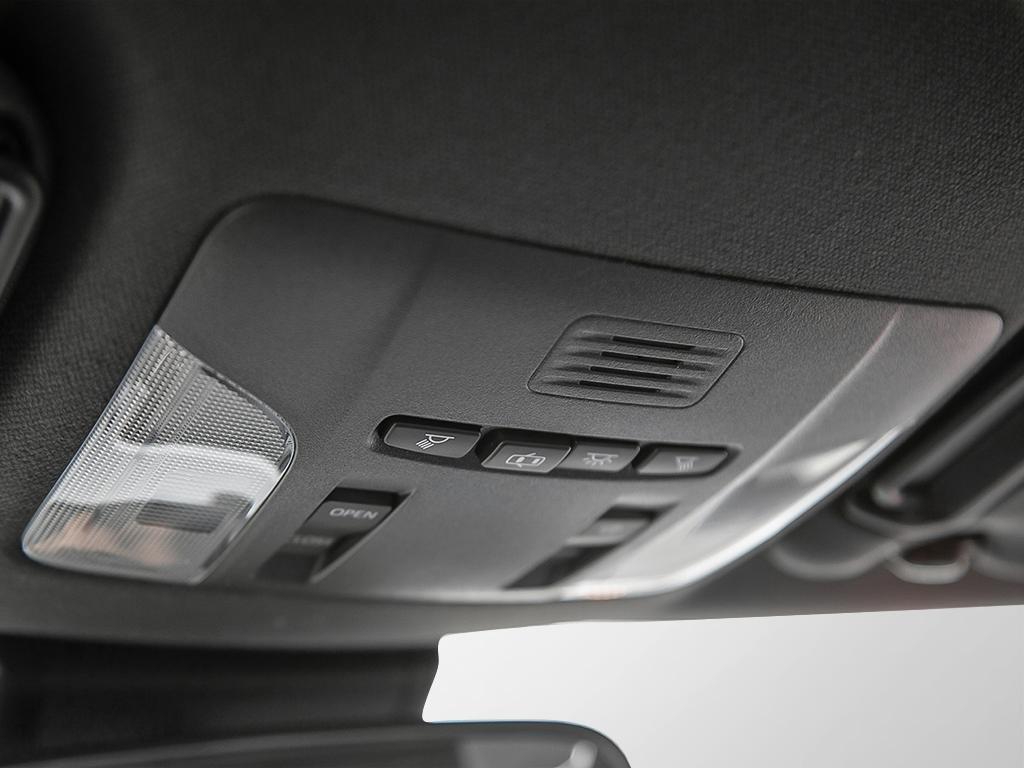 Toyota Corolla 4-door Sedan SE CVT 2020 à Verdun, Québec - 17 - w1024h768px
