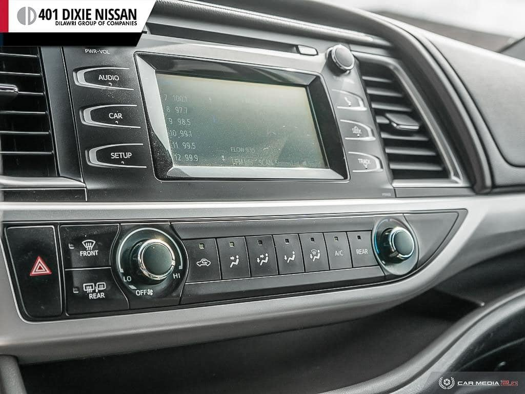 2014 Toyota Highlander LE AWD in Mississauga, Ontario - 18 - w1024h768px
