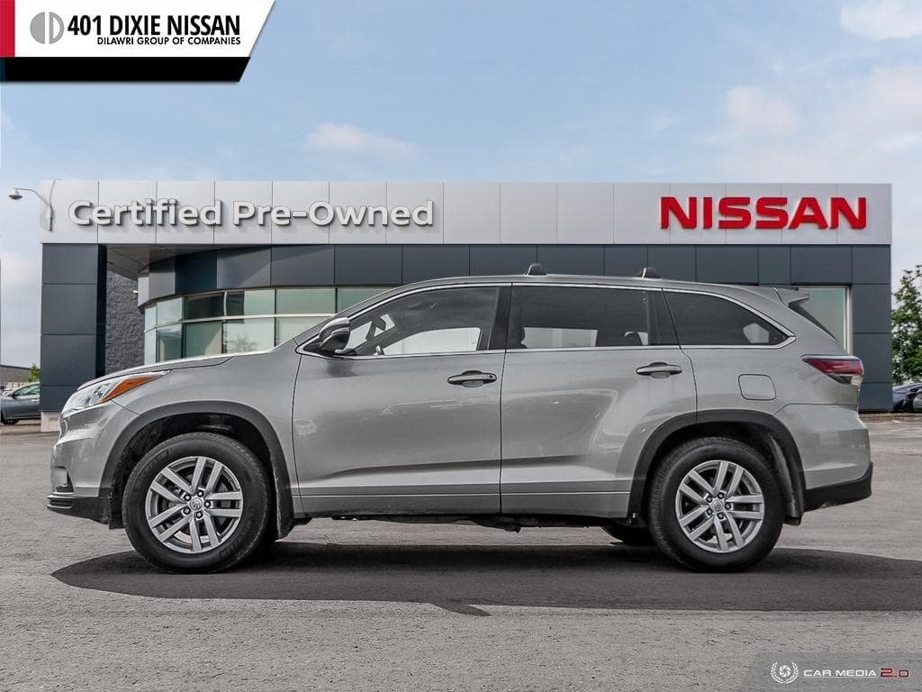 2014 Toyota Highlander LE AWD in Mississauga, Ontario - 3 - w1024h768px