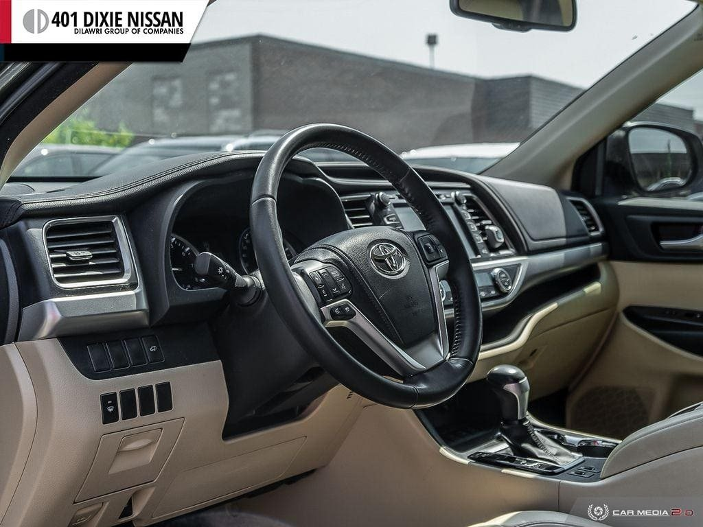 2014 Toyota Highlander XLE AWD in Mississauga, Ontario - 12 - w1024h768px