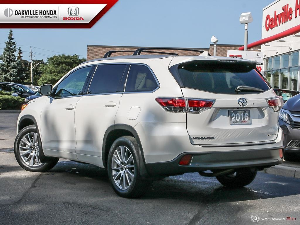 2016 Toyota Highlander XLE AWD in Oakville, Ontario - 4 - w1024h768px