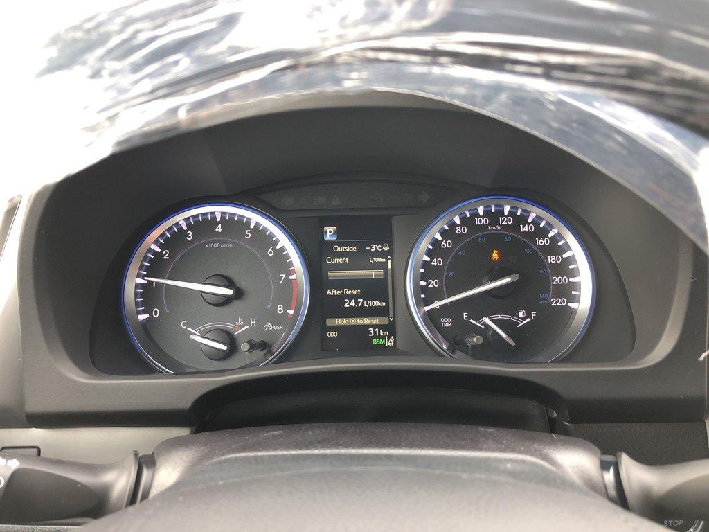2019 Toyota Highlander XLE in Bolton, Ontario - 13 - w1024h768px
