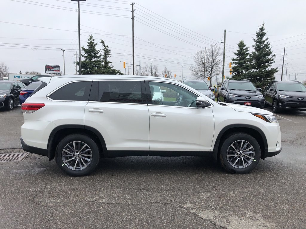 2019 Toyota Highlander XLE in Bolton, Ontario - 5 - w1024h768px
