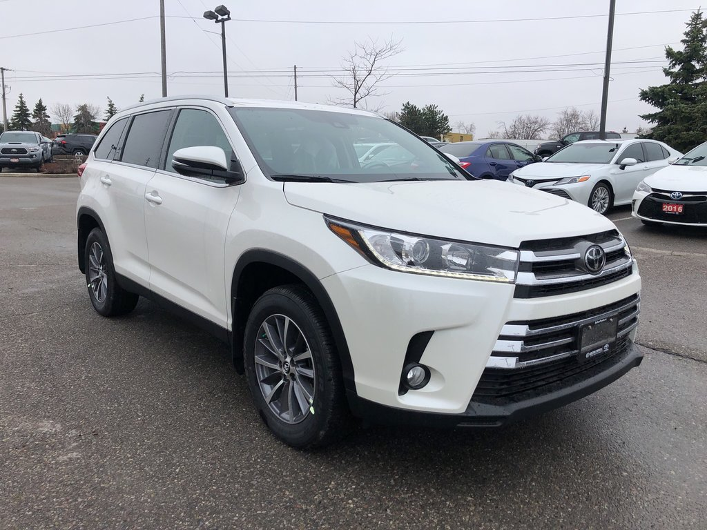 2019 Toyota Highlander XLE in Bolton, Ontario - 4 - w1024h768px