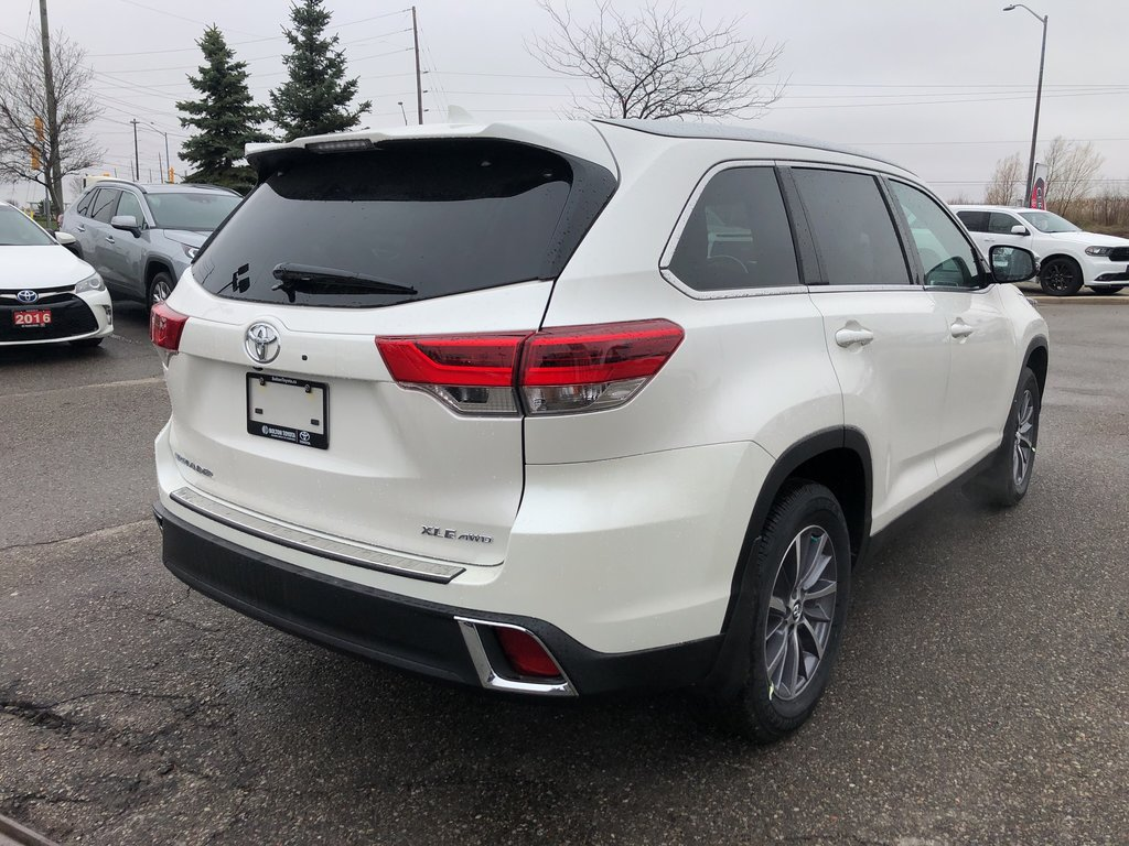 2019 Toyota Highlander XLE in Bolton, Ontario - 6 - w1024h768px