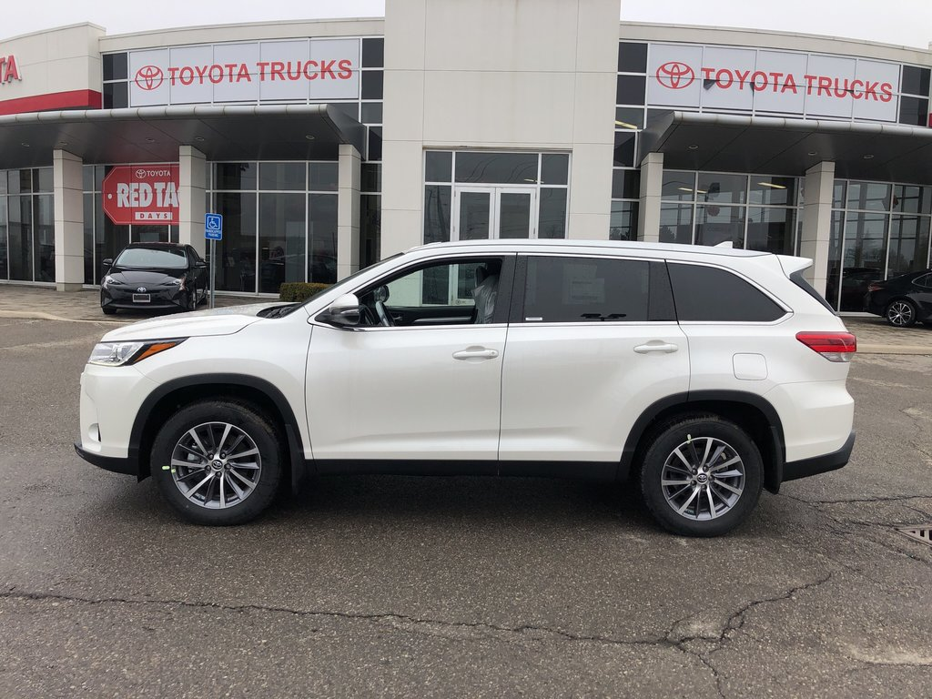 2019 Toyota Highlander XLE in Bolton, Ontario - 9 - w1024h768px