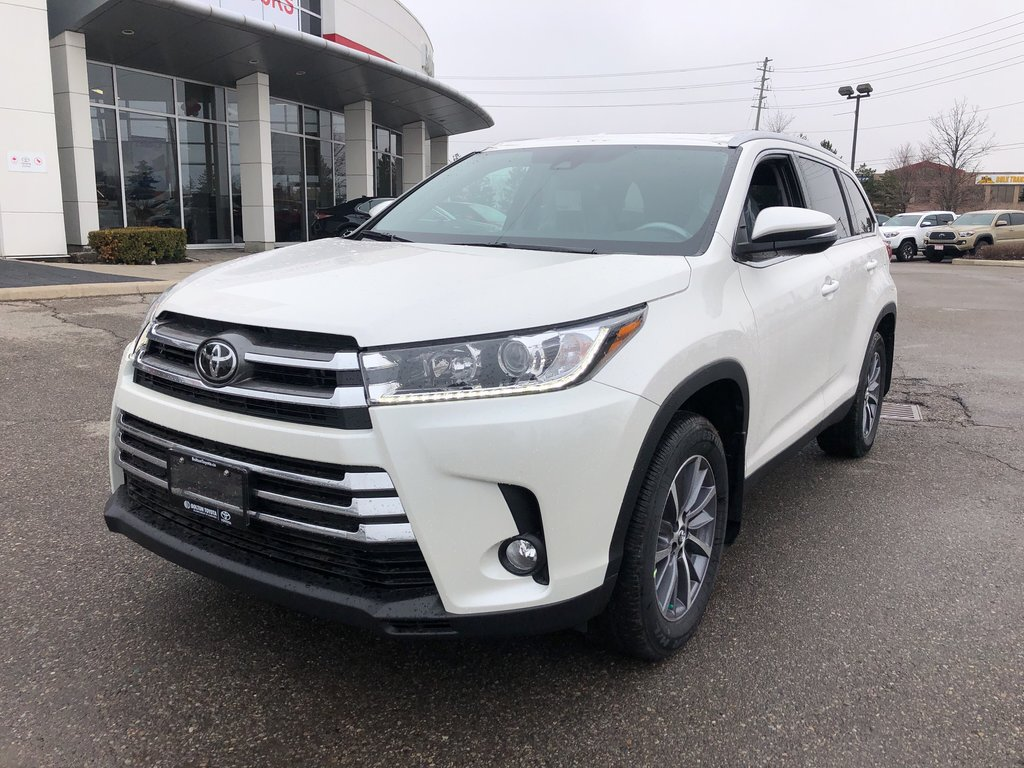 2019 Toyota Highlander XLE in Bolton, Ontario - 2 - w1024h768px