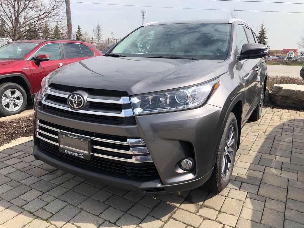 2019 Toyota Highlander XLE in Bolton, Ontario - 1 - w1024h768px