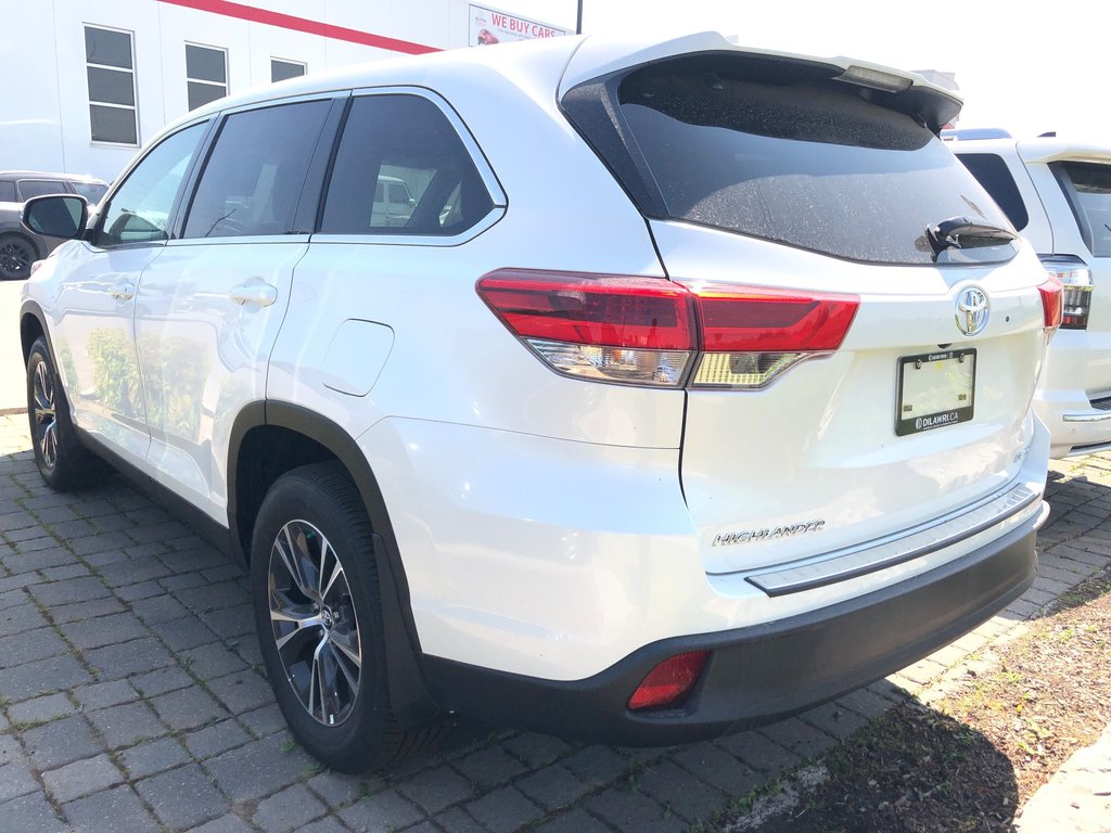 2019 Toyota Highlander LE in Bolton, Ontario - 5 - w1024h768px