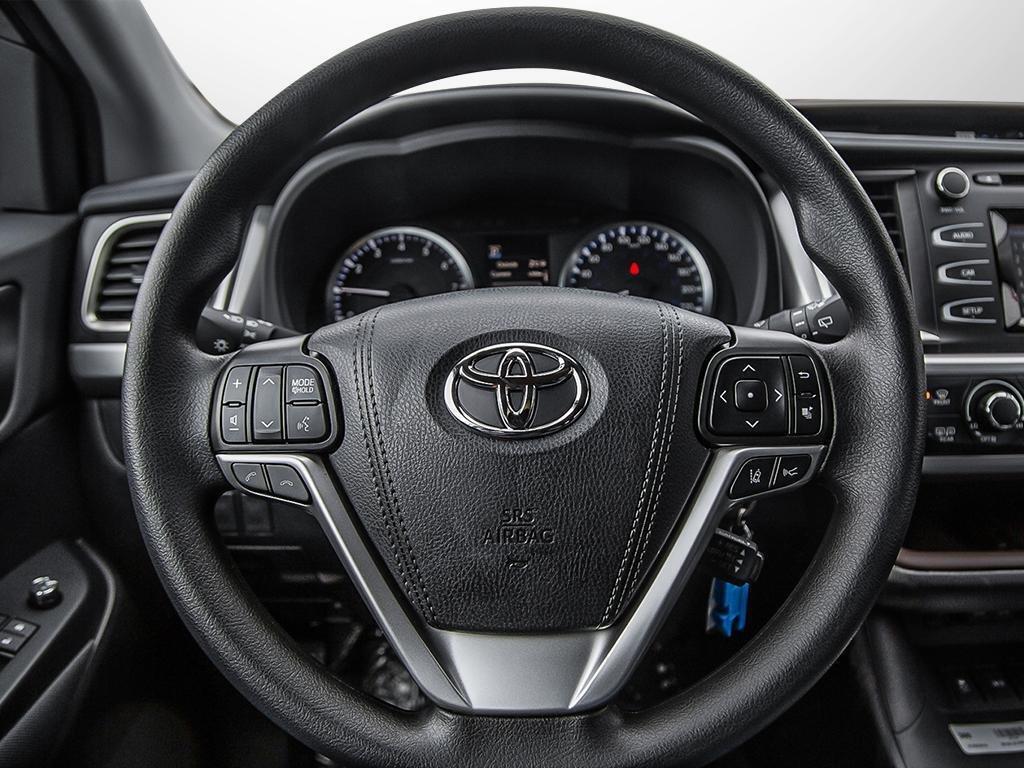 Toyota Highlander LE AWD 2019 à Verdun, Québec - 13 - w1024h768px