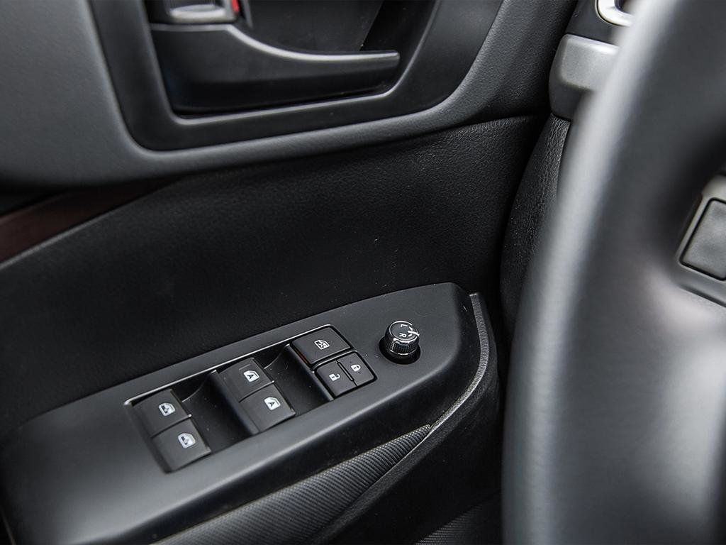 Toyota Highlander LE AWD 2019 à Verdun, Québec - 16 - w1024h768px