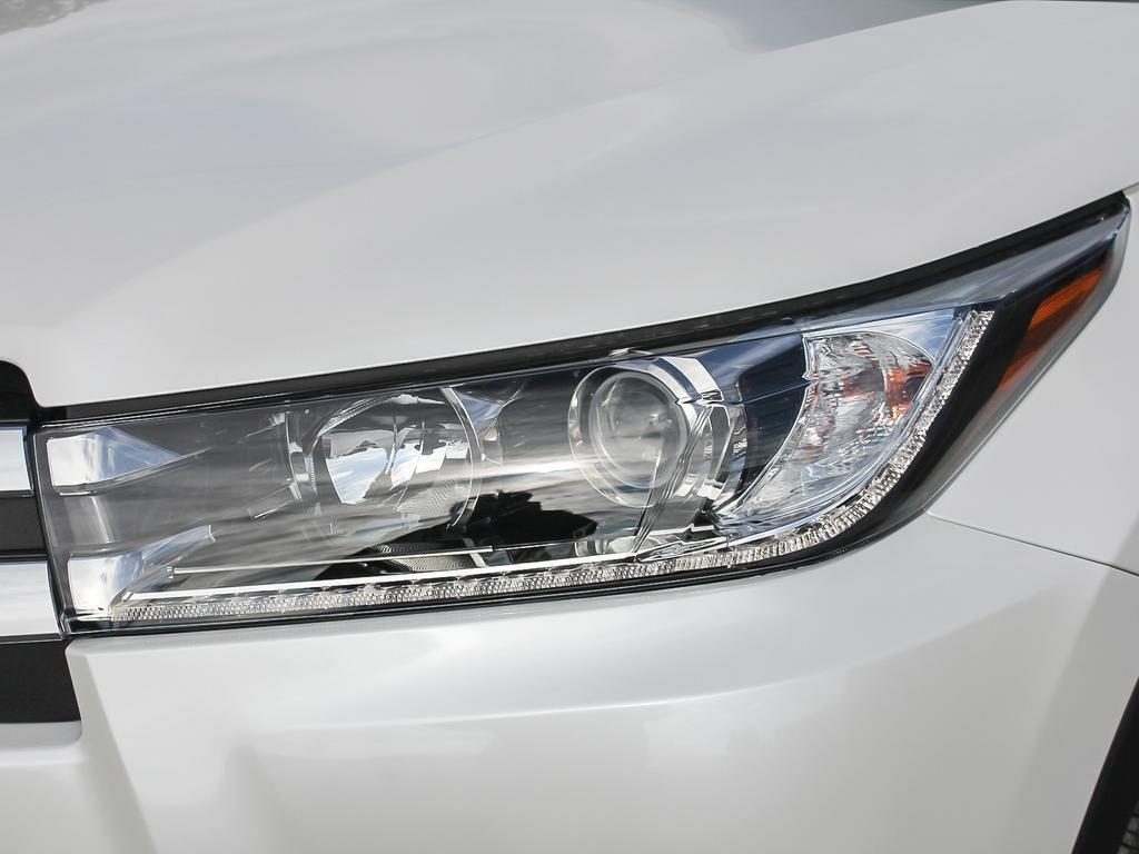 Toyota Highlander Limited AWD 2019 à Verdun, Québec - 9 - w1024h768px