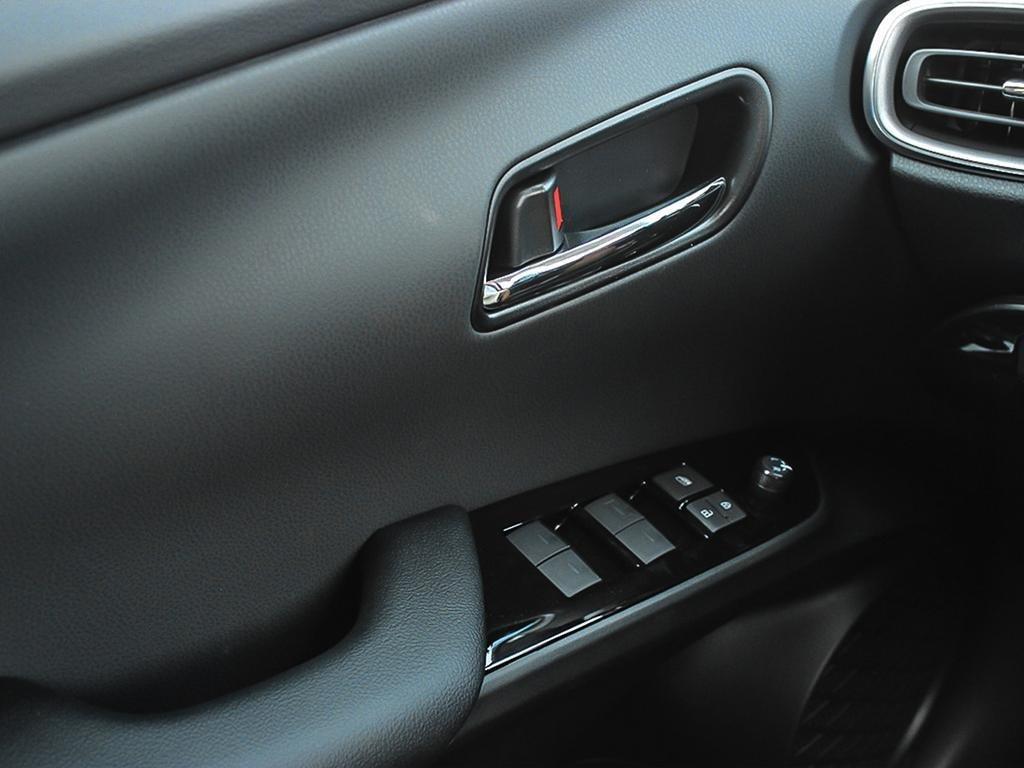 Toyota PRIUS PRIME Upgrade 2020 à Verdun, Québec - 16 - w1024h768px