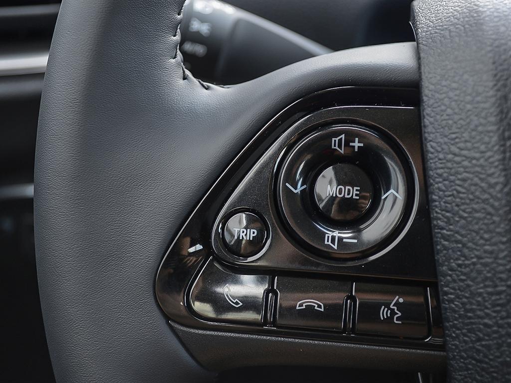 Toyota PRIUS PRIME ECVT 2020 à Verdun, Québec - 15 - w1024h768px
