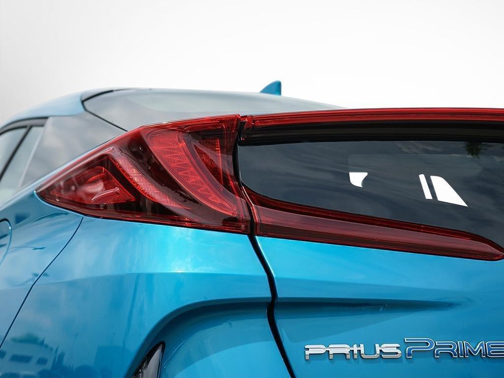 Toyota PRIUS PRIME ECVT 2020 à Verdun, Québec - 8 - w1024h768px