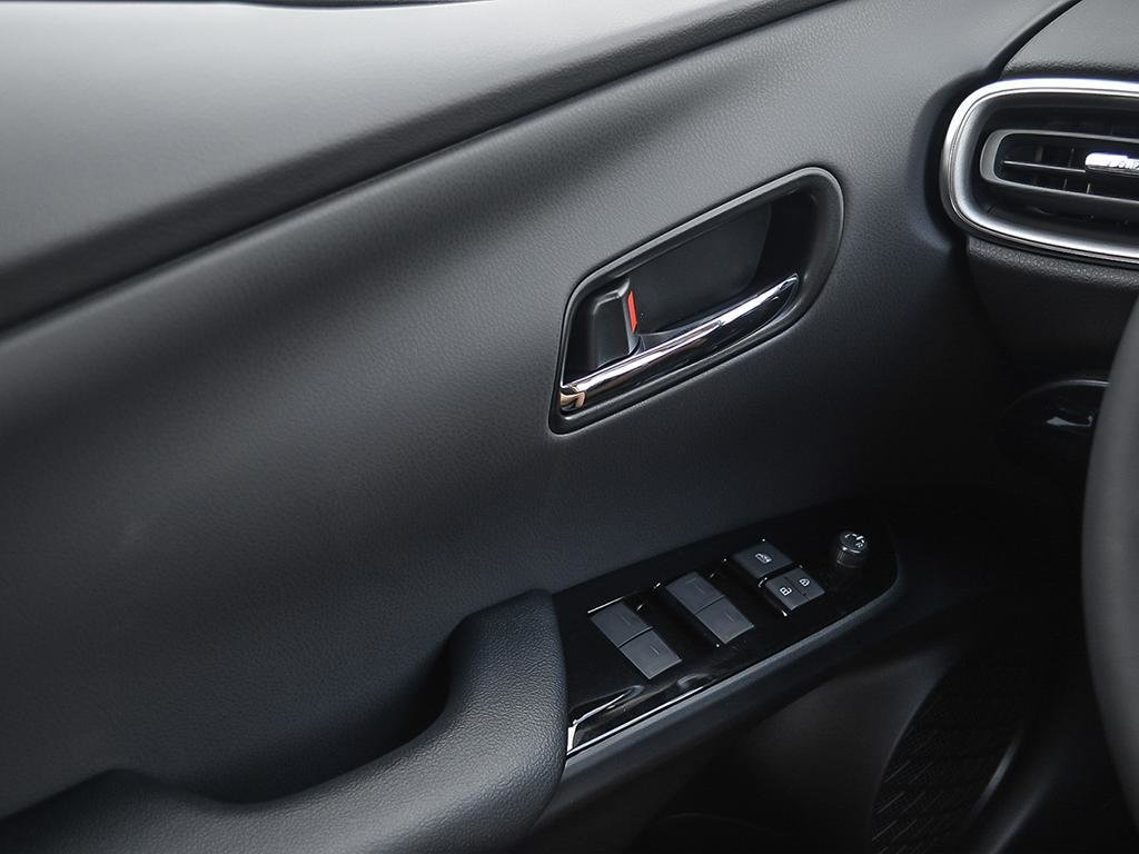 Toyota PRIUS PRIME ECVT 2020 à Verdun, Québec - 16 - w1024h768px