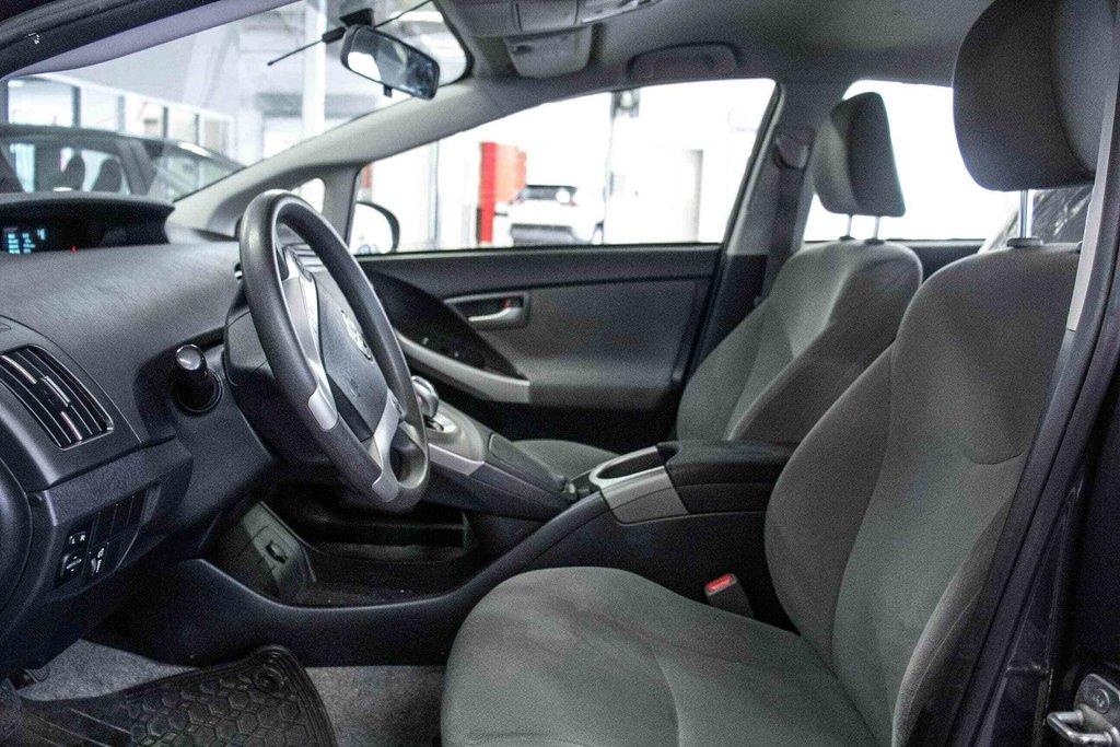 2014 Toyota Prius Hybride  Caméra Recul / Bluetooth / A/C in Verdun, Quebec - 28 - w1024h768px