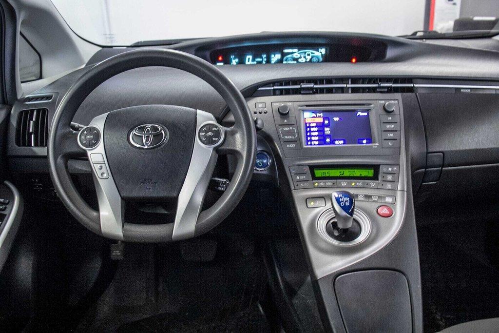 2014 Toyota Prius Hybride  Caméra Recul / Bluetooth / A/C in Verdun, Quebec - 11 - w1024h768px