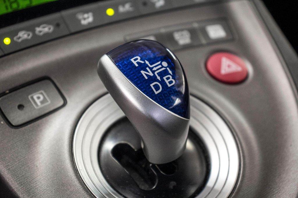 2014 Toyota Prius Hybride  Caméra Recul / Bluetooth / A/C in Verdun, Quebec - 24 - w1024h768px