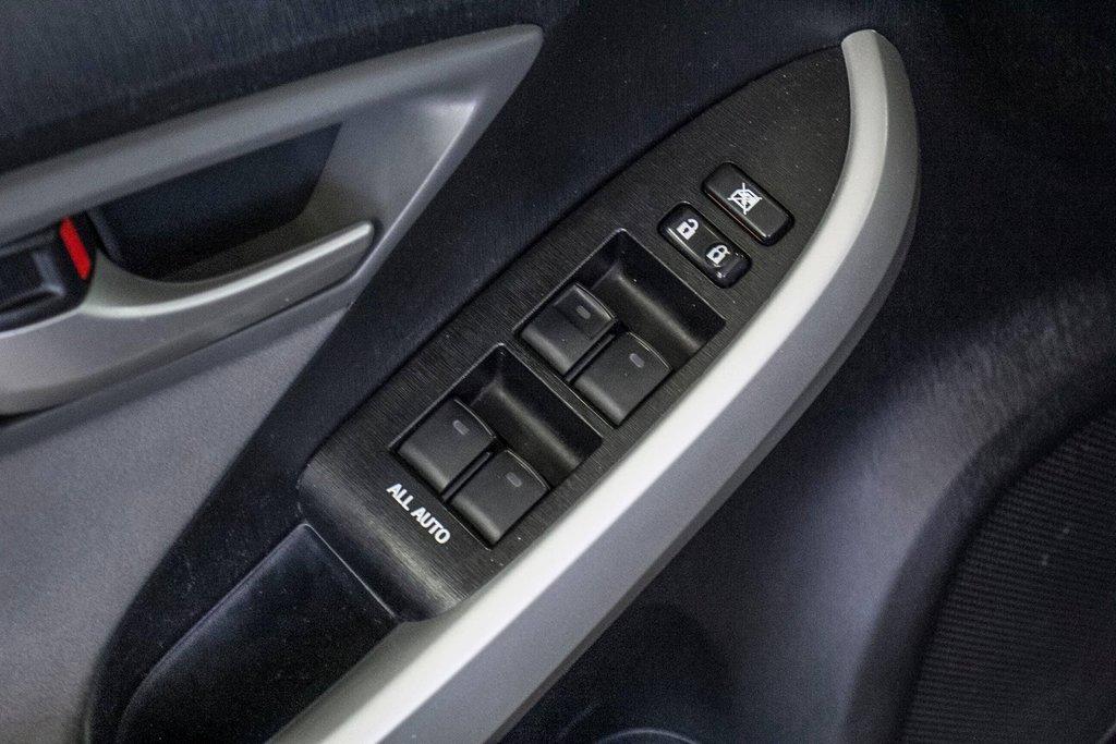 2014 Toyota Prius Hybride  Caméra Recul / Bluetooth / A/C in Verdun, Quebec - 31 - w1024h768px