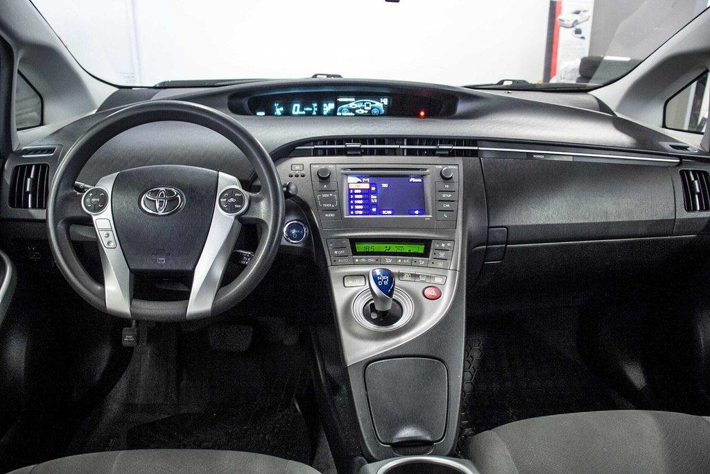 2014 Toyota Prius Hybride  Caméra Recul / Bluetooth / A/C in Verdun, Quebec - 27 - w1024h768px