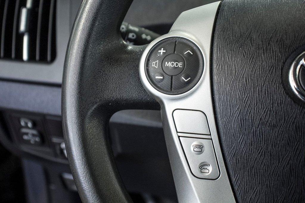 2014 Toyota Prius Hybride  Caméra Recul / Bluetooth / A/C in Verdun, Quebec - 19 - w1024h768px