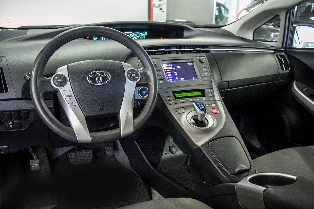 2014 Toyota Prius Hybride  Caméra Recul / Bluetooth / A/C in Verdun, Quebec - 13 - w1024h768px