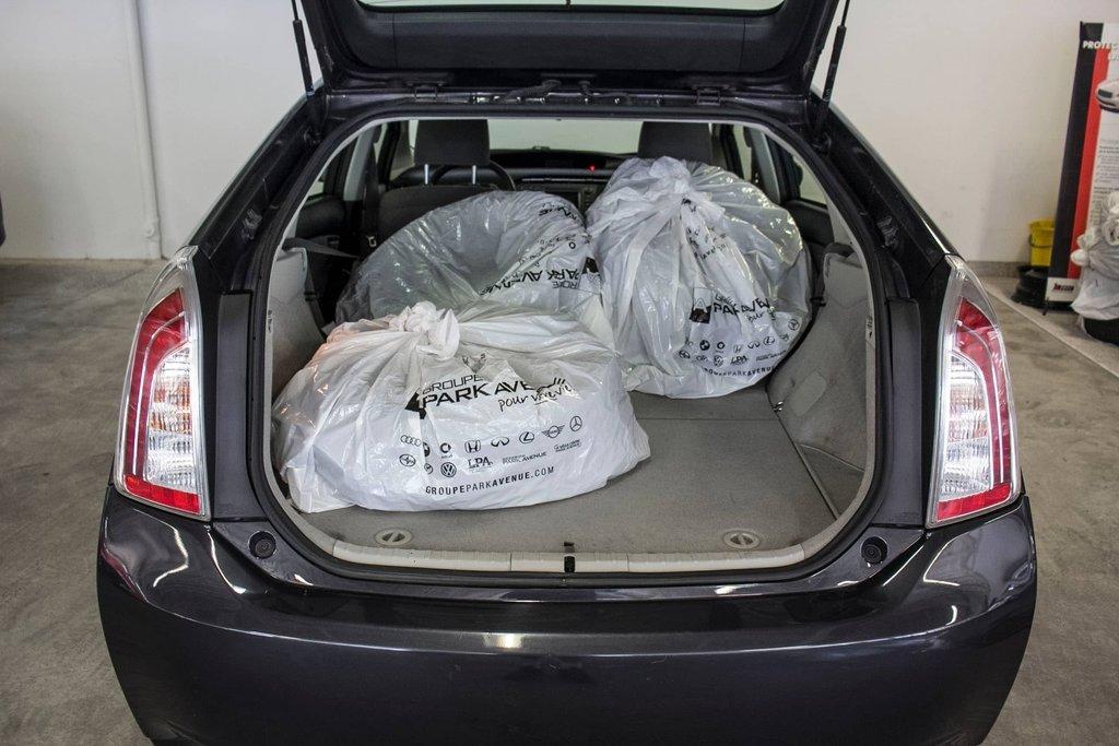 2014 Toyota Prius Hybride  Caméra Recul / Bluetooth / A/C in Verdun, Quebec - 33 - w1024h768px