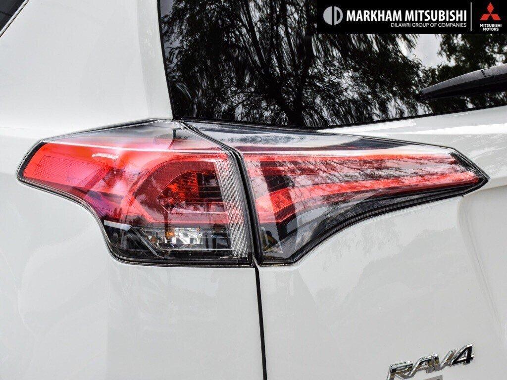 2018 Toyota RAV4 Hybrid LE+ in Markham, Ontario - 6 - w1024h768px