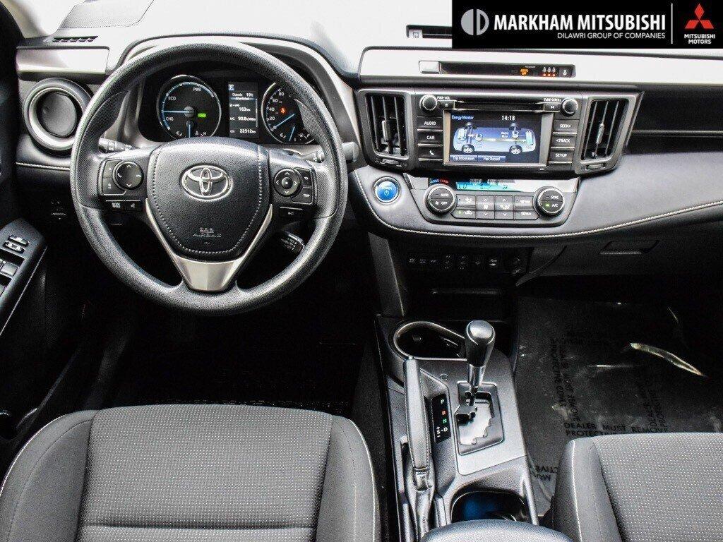 2018 Toyota RAV4 Hybrid LE+ in Markham, Ontario - 12 - w1024h768px
