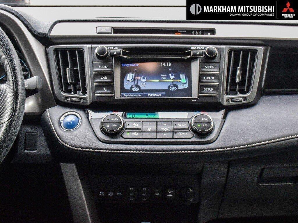 2018 Toyota RAV4 Hybrid LE+ in Markham, Ontario - 16 - w1024h768px