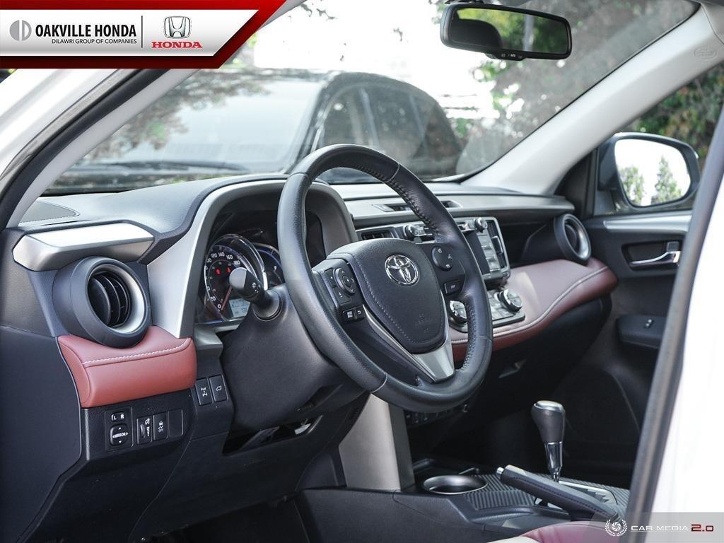 2014 Toyota RAV4 AWD Limited in Oakville, Ontario - 13 - w1024h768px