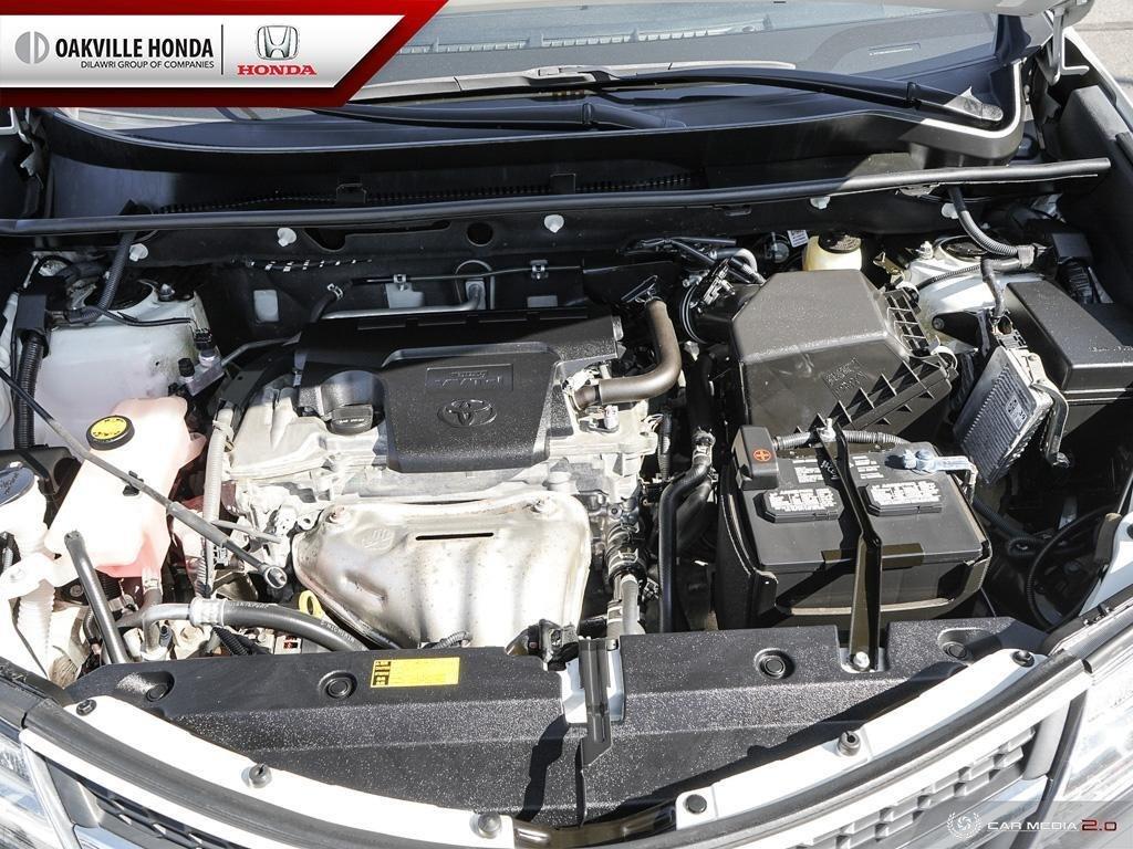 2014 Toyota RAV4 AWD Limited in Oakville, Ontario - 8 - w1024h768px