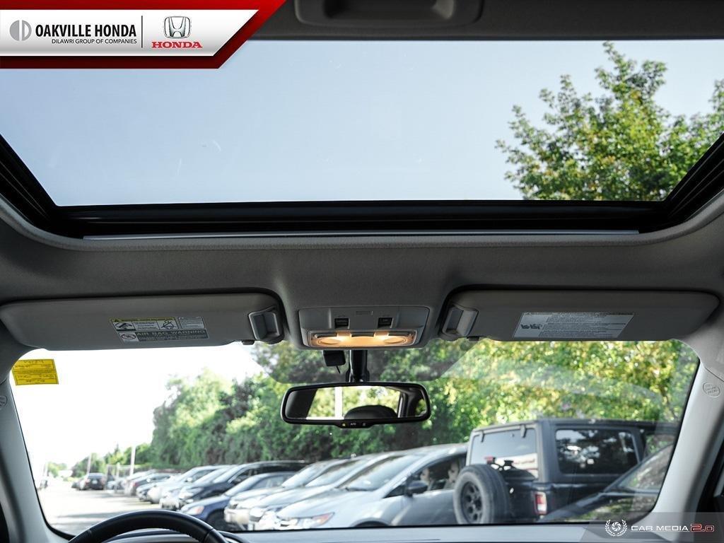 2014 Toyota RAV4 AWD Limited in Oakville, Ontario - 26 - w1024h768px