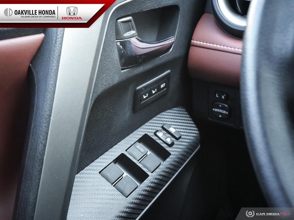 2014 Toyota RAV4 AWD Limited in Oakville, Ontario - 17 - w1024h768px