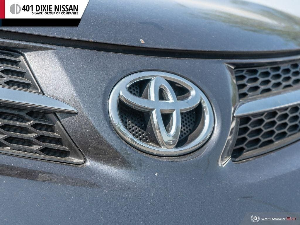 2015 Toyota RAV4 AWD Limited in Mississauga, Ontario - 9 - w1024h768px