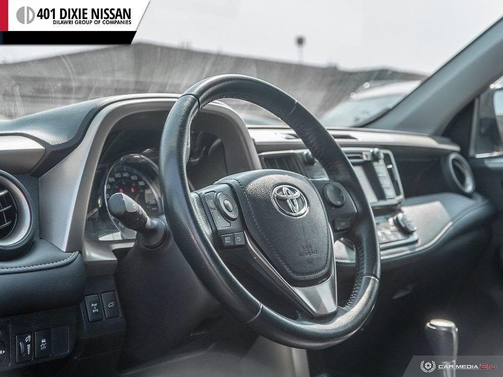 2015 Toyota RAV4 AWD Limited in Mississauga, Ontario - 13 - w1024h768px