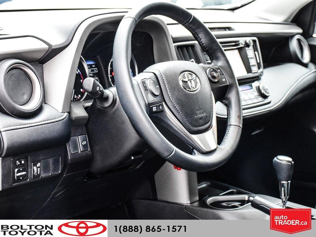 2016 Toyota RAV4 AWD XLE in Bolton, Ontario - 10 - w1024h768px