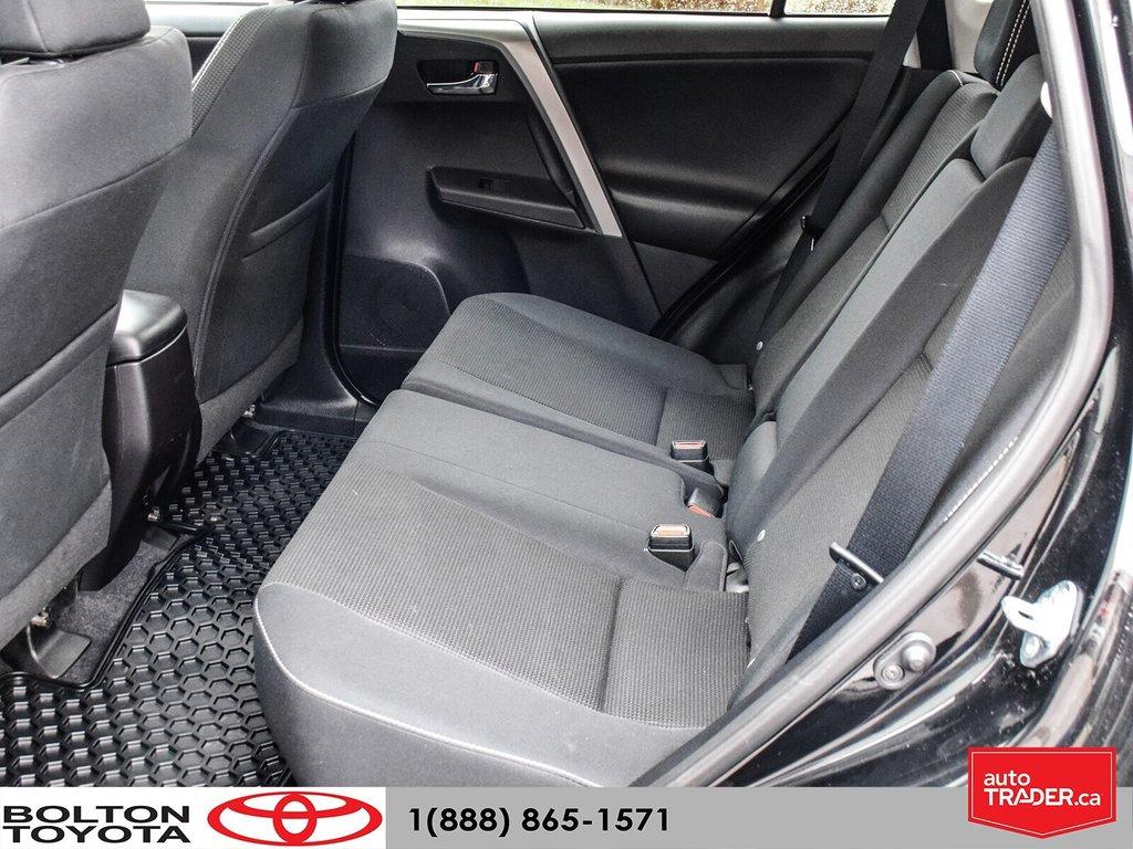 2016 Toyota RAV4 AWD XLE in Bolton, Ontario - 13 - w1024h768px
