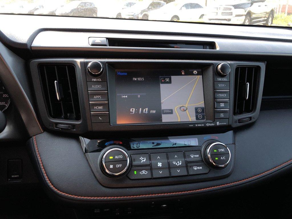 2016 Toyota RAV4 AWD SE in Bolton, Ontario - 14 - w1024h768px