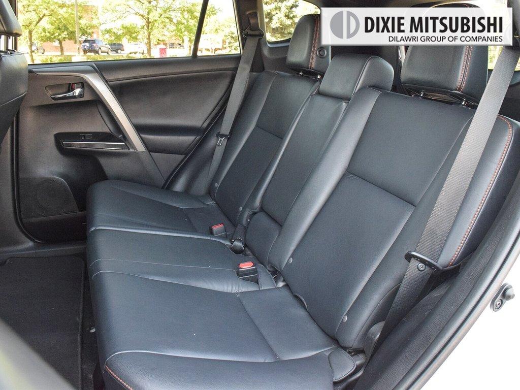 2016 Toyota RAV4 AWD SE in Mississauga, Ontario - 25 - w1024h768px