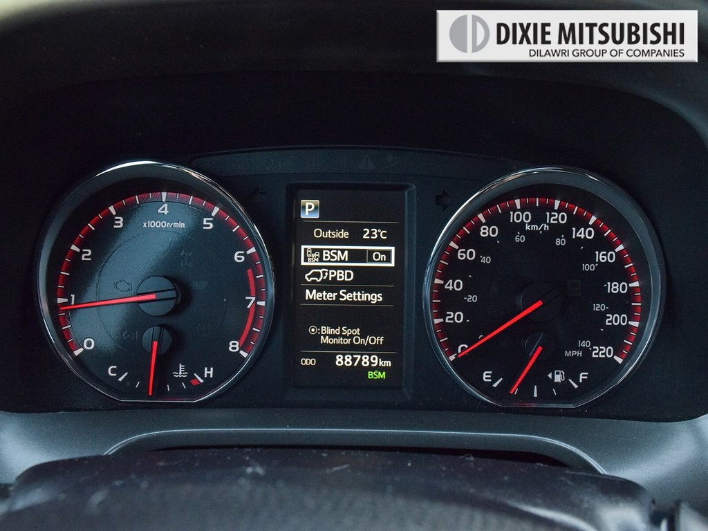 2016 Toyota RAV4 AWD SE in Mississauga, Ontario - 16 - w1024h768px