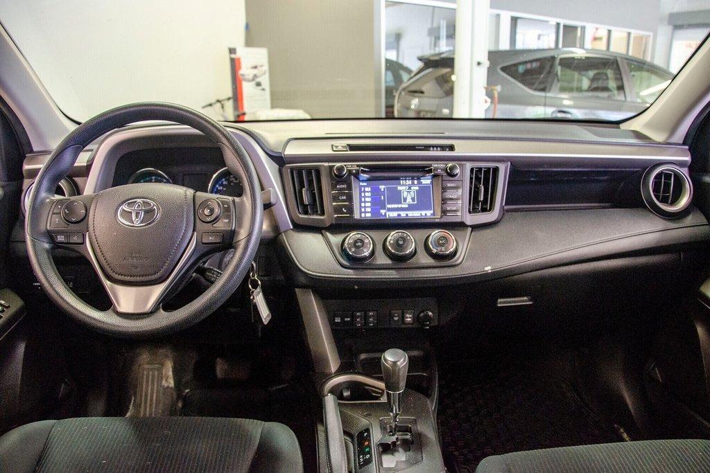 Toyota RAV4 LE / Bluetooth/Caméra/Banc chauffants/A/c et plus 2017 à Verdun, Québec - 18 - w1024h768px