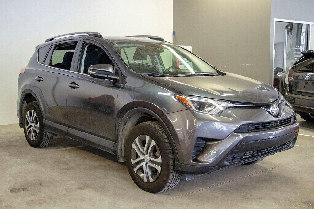 Toyota RAV4 LE / Bluetooth/Caméra/Banc chauffants/A/c et plus 2017 à Verdun, Québec - 5 - w1024h768px