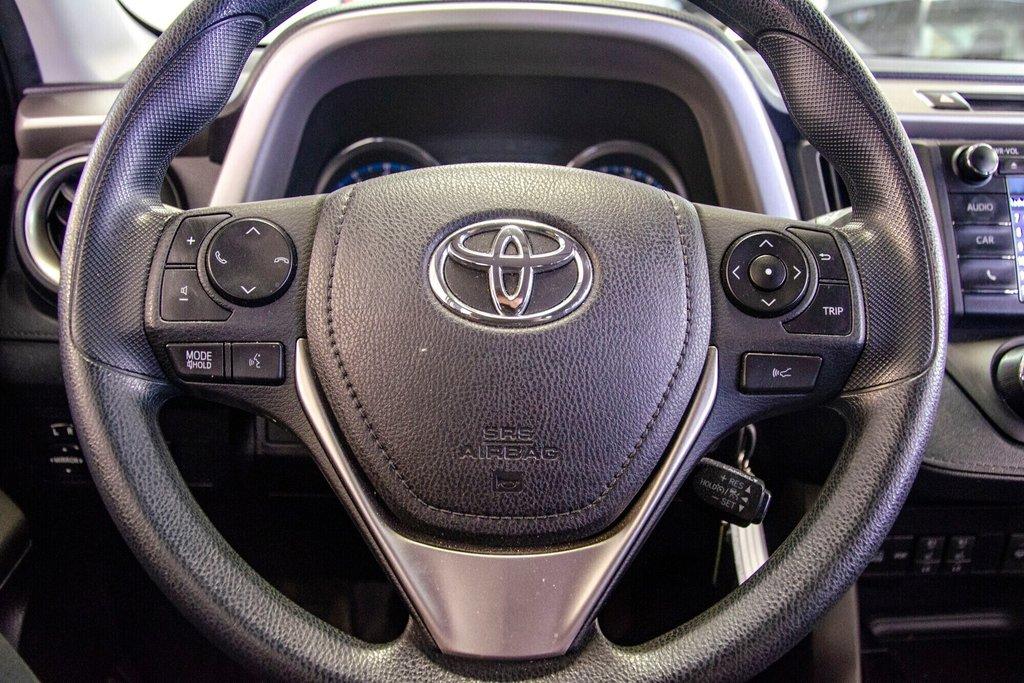 Toyota RAV4 LE / Bluetooth/Caméra/Banc chauffants/A/c et plus 2017 à Verdun, Québec - 19 - w1024h768px