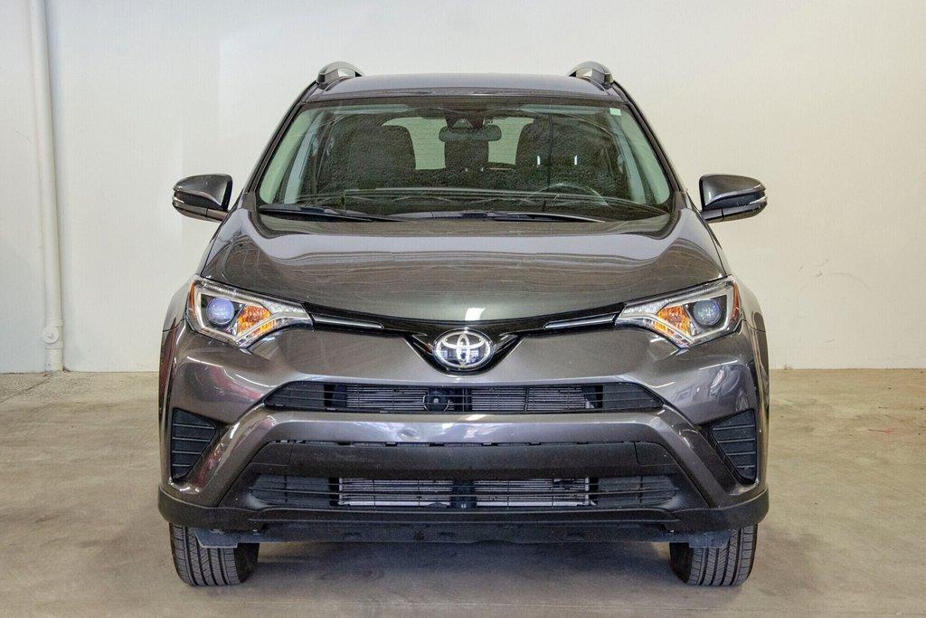 Toyota RAV4 LE / Bluetooth/Caméra/Banc chauffants/A/c et plus 2017 à Verdun, Québec - 3 - w1024h768px