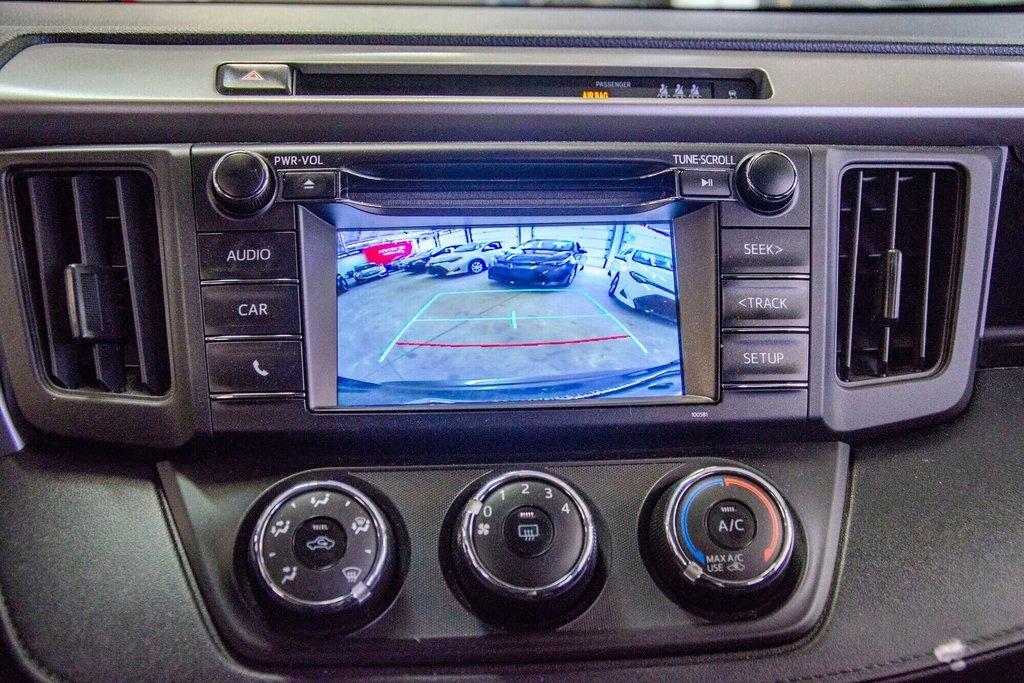 Toyota RAV4 LE / Bluetooth/Caméra/Banc chauffants/A/c et plus 2017 à Verdun, Québec - 24 - w1024h768px