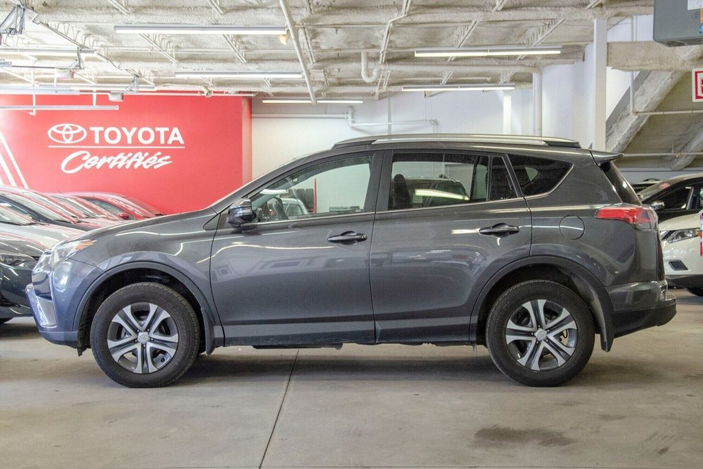 Toyota RAV4 LE / Bluetooth/Caméra/Banc chauffants/A/c et plus 2017 à Verdun, Québec - 7 - w1024h768px